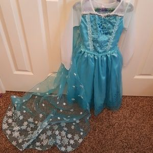 Other - 3-4T Elsa dress with detachable cape